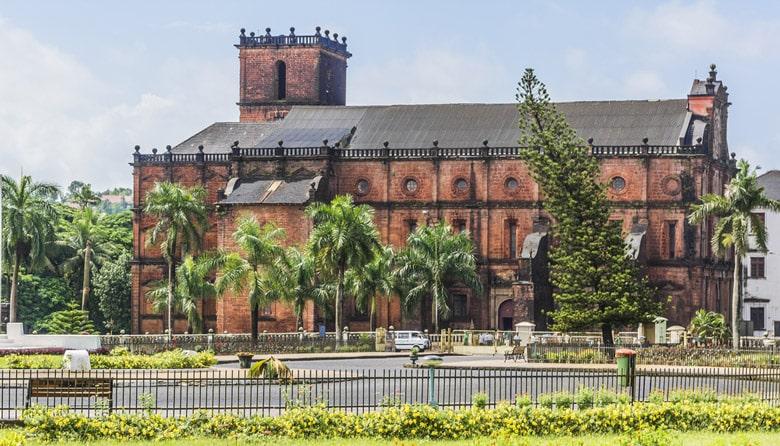 Basilique du Bon Jésus á Goa