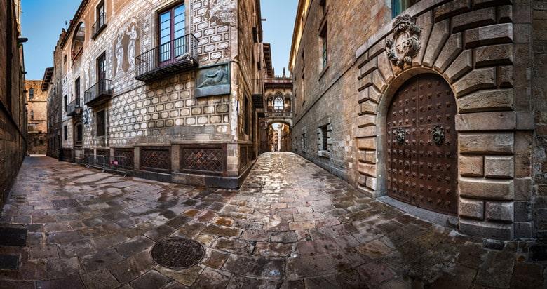Le quartier gothique á Barcelone