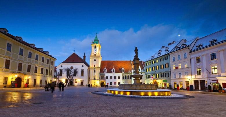 Hlavne Namestie á Bratislava