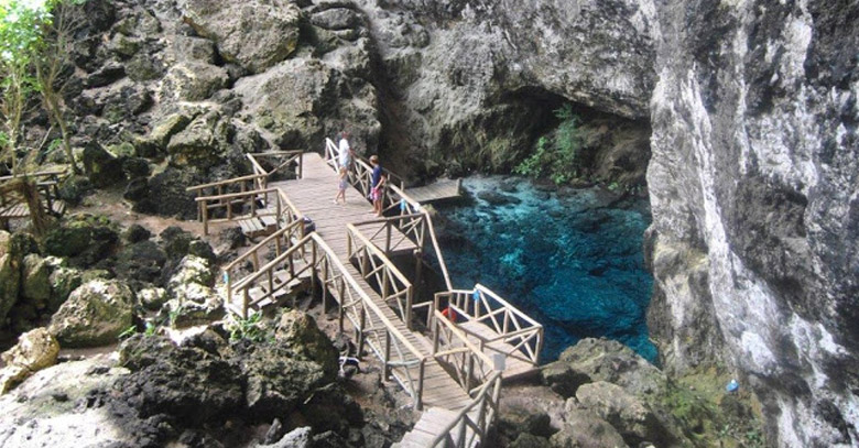 Hoyo Azul á Punta Cana