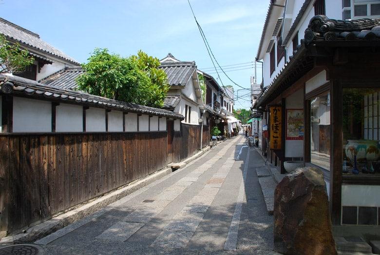 Rue résidentielle à Tokyo