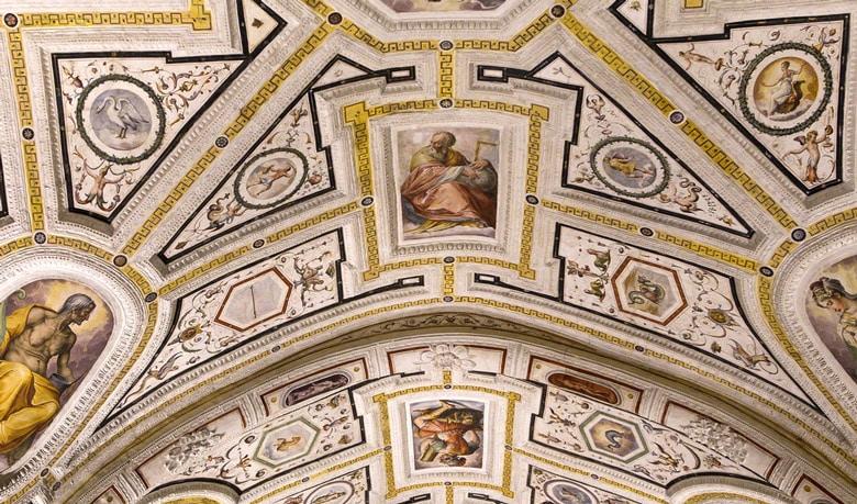 Sant'Anna dei Lombardi á Naples