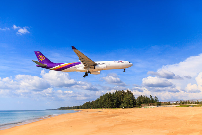 Atterrissage d'un avion Thai Airways à Phuket