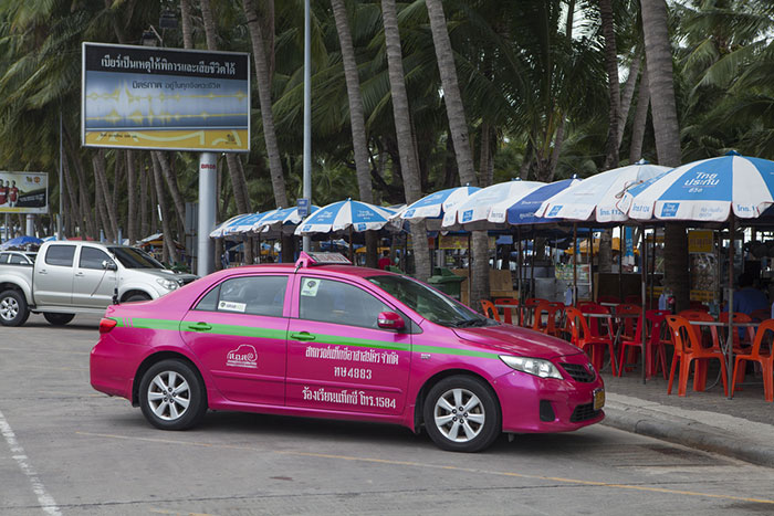 Taxi stationné à Pattaya