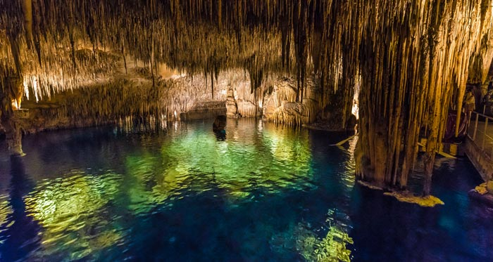 Grottes du Drach á Majorque