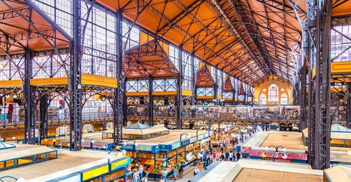 Halles centrales du marché á Budapest