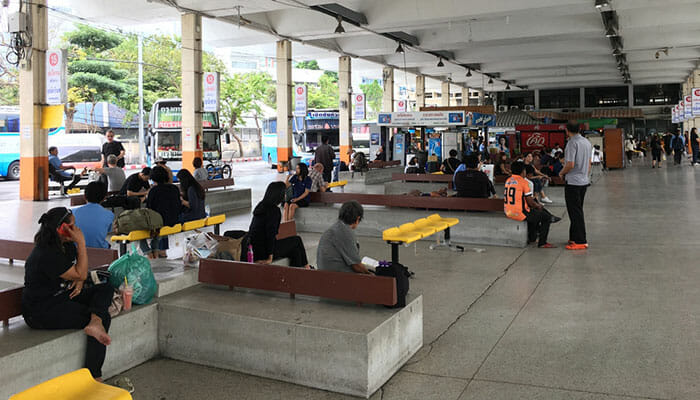 Gare routière de Bangkok Eastern Bus Terminal, à 2 minutes à pied de la station BTS d'Ekkamai