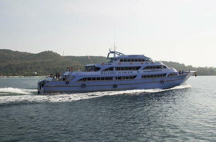 Ferry entre Phuket et Krabi via l'île Phi Phi