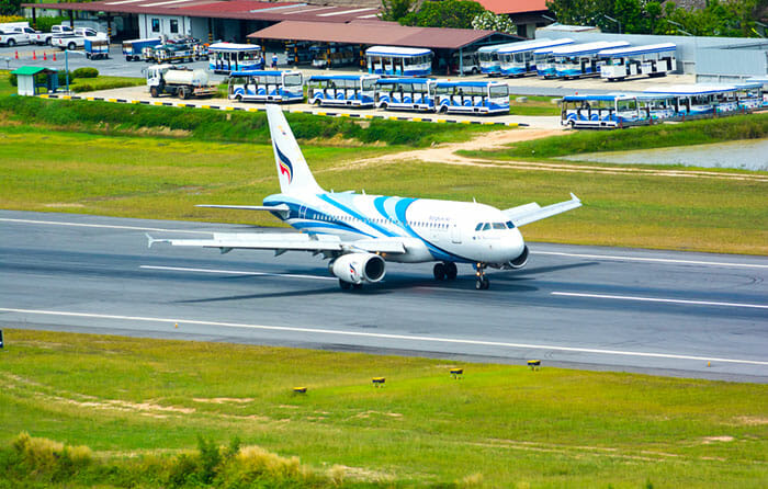 Avion Bangkok Airways à l'aéroport de Koh Samui