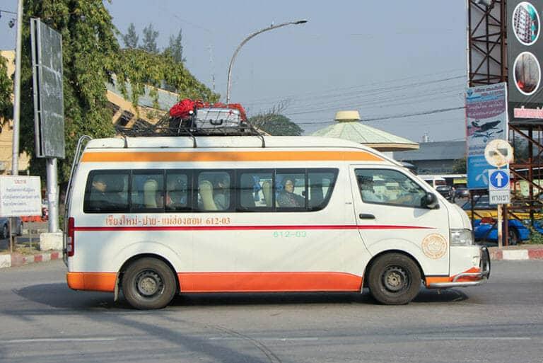 Voiture privée ou minibus de Chiang Mai à Chiang Rai