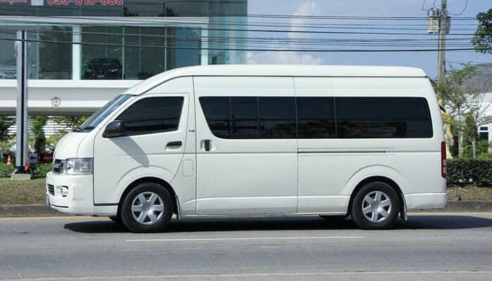 Toyota Commuter, souvent utilisé comme minibus/minivan en Thaïlande