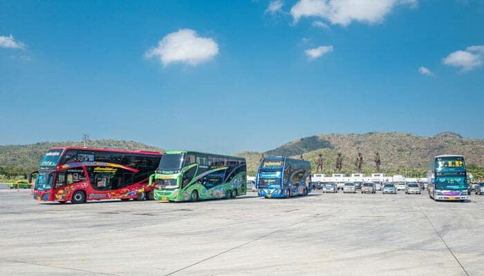 Bus touristiques en Thaïlande
