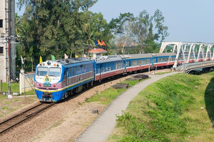 De Hanoi á Hue en Train