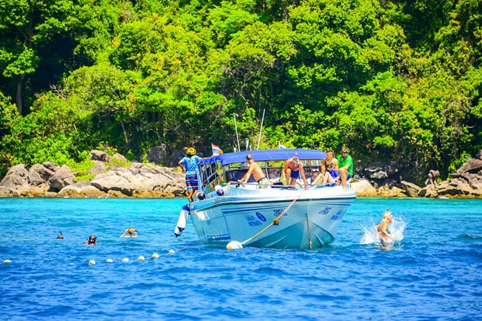 De Krabi á Phi Phi en Hors-bord