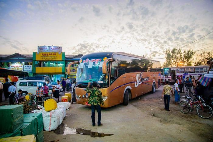 De Yangon á Bagan en bus