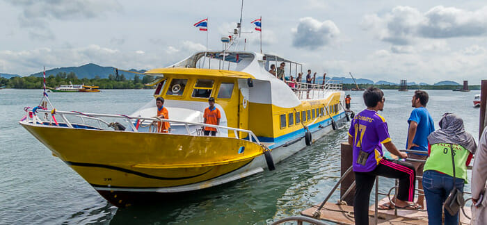 En ferry grande vitesse de Phuket à Koh Lanta