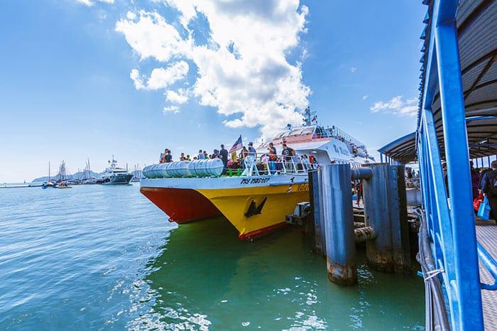 En ferry grande vitesse de Penang à Langkawi