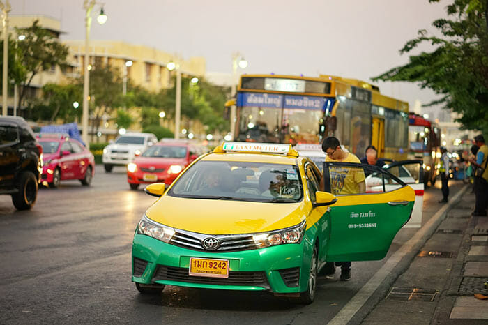 En taxi de Bangkok à Prachuap Khiri Khan