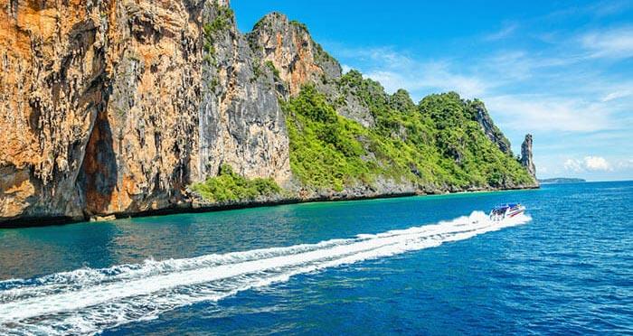 De Koh Phi Phi à Koh Lanta en hors-bord