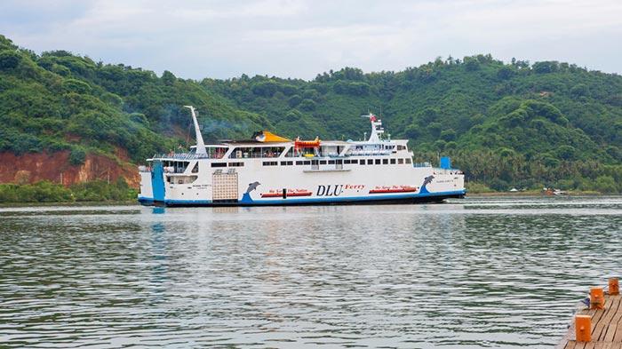 En ferry public de Bali à Lombok