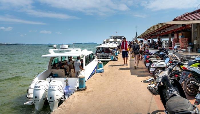 En ferry grande vitesse et hors-bord de Sihanoukville à Koh Rong