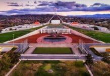 De Melbourne à Canberra