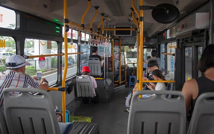 De l'aéroport au centre-ville d'Hanoï en bus public
