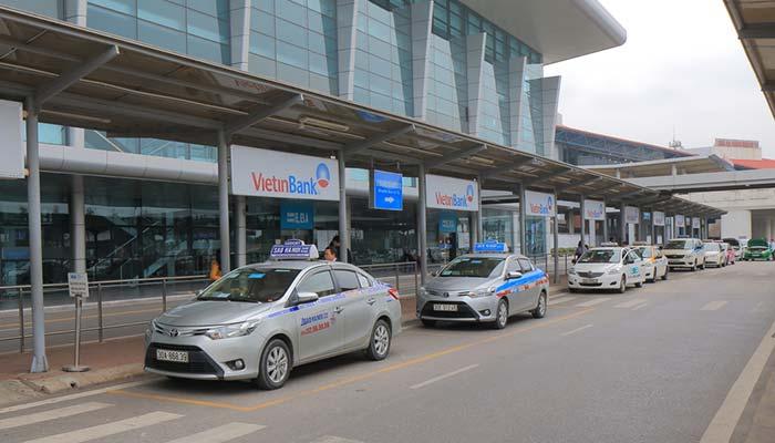 De l'aéroport au centre-ville d'Hanoï en taxi